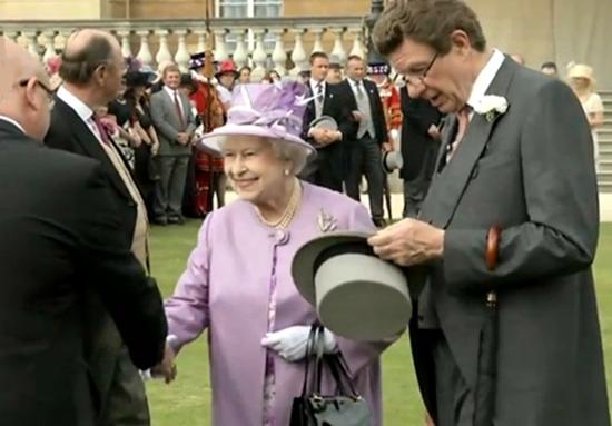 queen-elizabeth-royal-garden-party