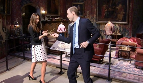 william-and-kate-harry-potter-wand-battle1