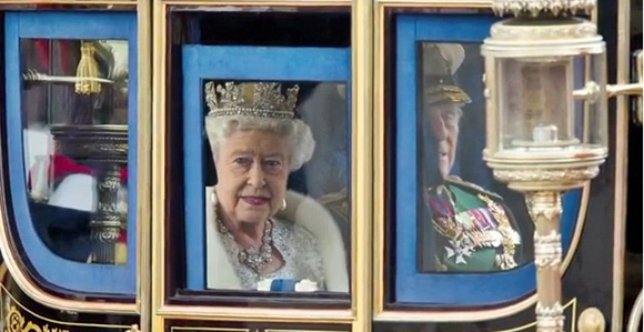 Queen-Elizabeth-on-her-way-to-Opening-of-Parliament-2013