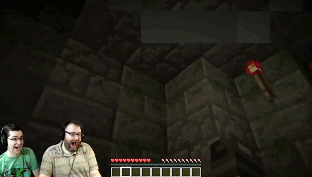 Minecraft Staircase Horror Map: It Scared the Beejezus Out