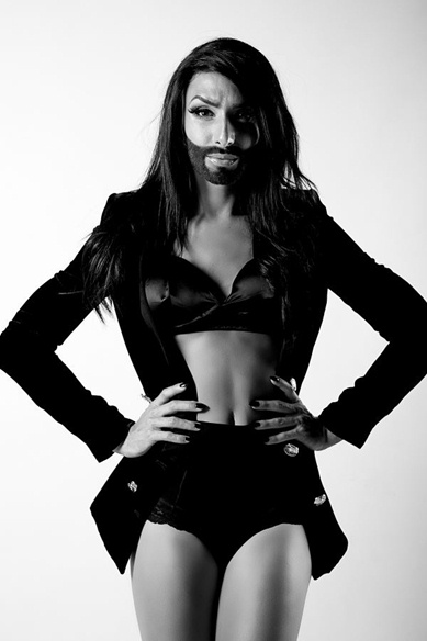 conchita wurst press photos in concert