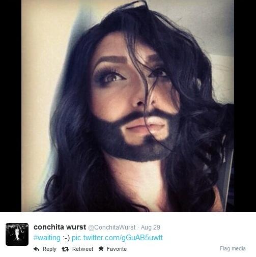conchita wurst selfie