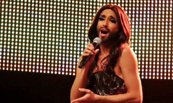 "Conchita Wurst Sings at Zurich Pride: Gets Hand-Casted ""Unstoppable"" Award (Video)"