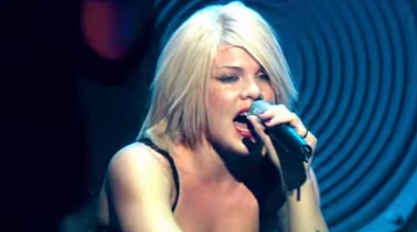 pink live in concert in europe