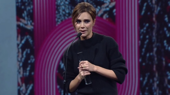 victoria beckham british fashion awards brand of the year
