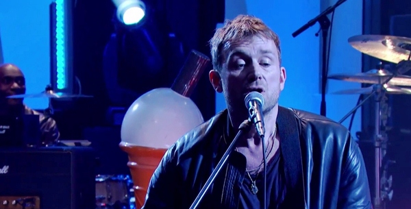 Blur Debuts New Track 'Ong Ong' Live on Jules Holland