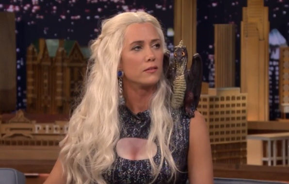 Kristen Wiig Does Funny Game Of Thrones Khaleesi Interview With