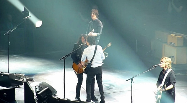 dave grohl and paul mccartney live