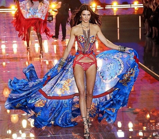 victorias secret kendall jenner fashion show