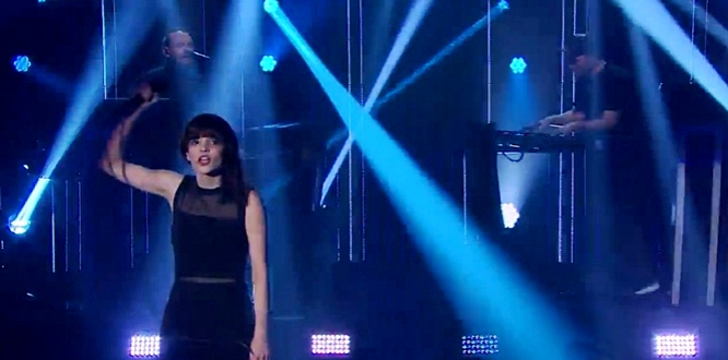 Lauren Mayberry Chvrches live on James Corden Clearest Blue
