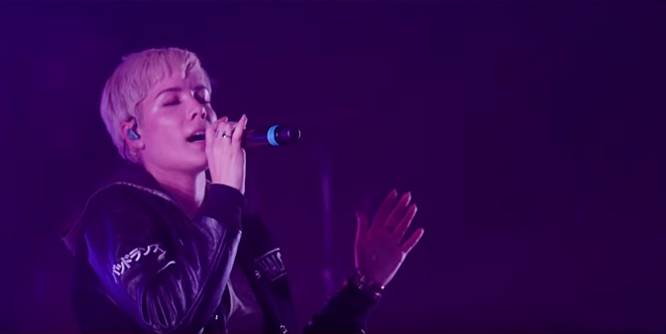 Halsey Sings 'Colors' Live at The Fonda and She's Sexy, Beautiful and Perfect (Video)