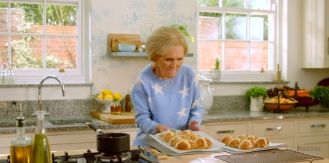 mary berry's hot cross buns