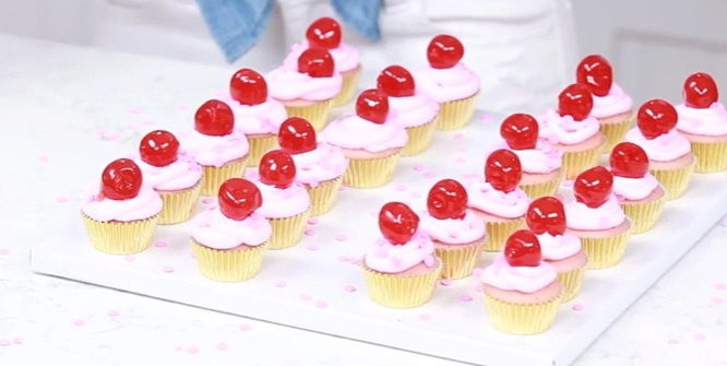 My Little Pony Cutie Mark Mini Cupcakes