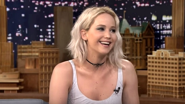 jennifer lawrence sucks at press conferences