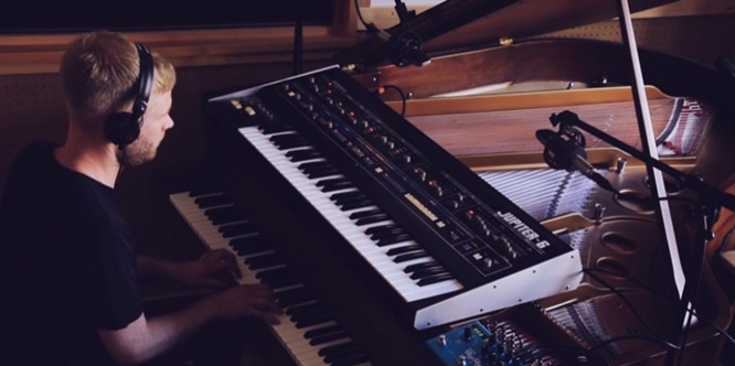 Faux Tales' Stripped Down Version of 'Ascent' (Piano