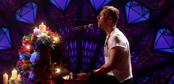 coldplay-everglow-graham-norton-stripped-down