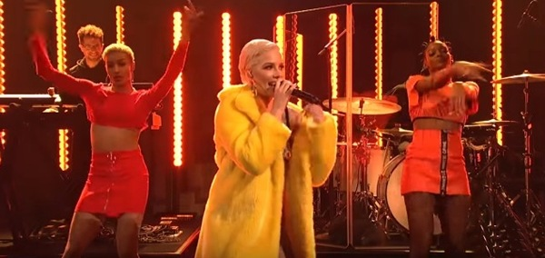 Halsey continues bisexual theme of 'Bad At Love' in Saturday