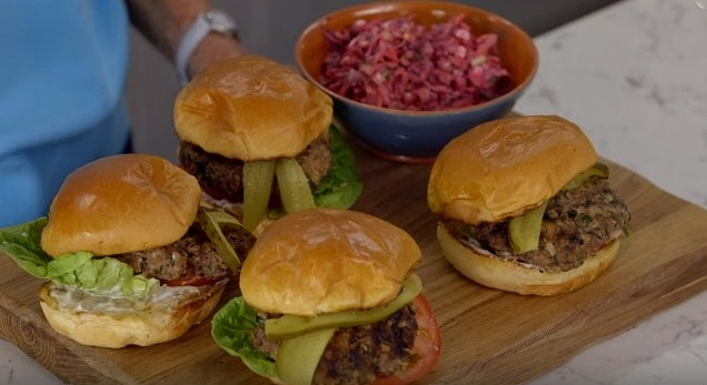 How to make Mary Berry's Easy Beef Burgers -- delicious and simple