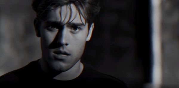 I gave Benjamin Ingrosso's 'Dance You Off' a second chance, now I'm dancing around my kitchen — Repeat Rotation Video