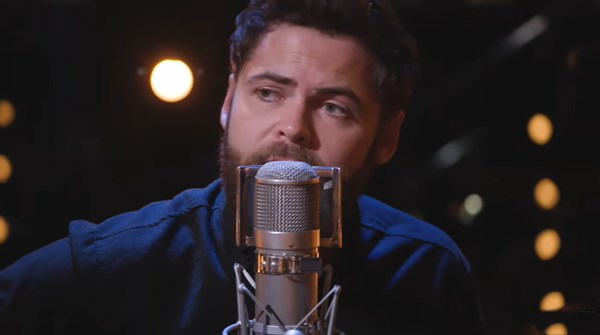 Passenger's 'Where The Lights Hang Low' video features a string quartet and all kinds of wonderful