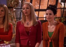 'Friends' Thanksgiving episodes in theaters a money grab?