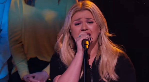 Kelly Clarkson's 'Bitter Sweet Symphony' cover gave Verve original the power and emotion it needs