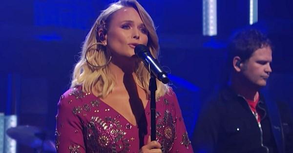 Watch Miranda Lambert sing 'Bluebird' on Seth Meyers, it's upbeat and hopeful