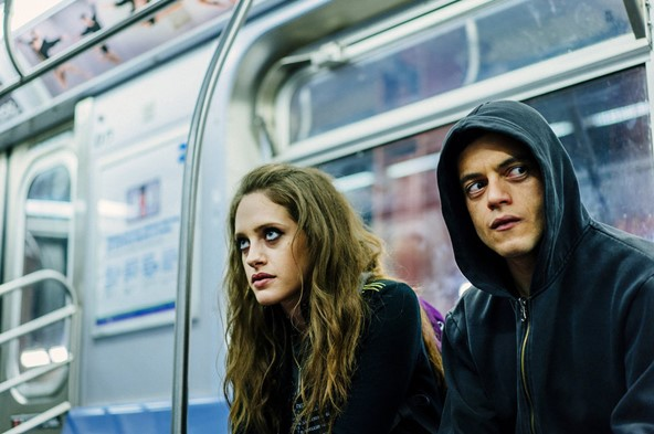 Listen to Eluvium's 'The Motion Makes Me Last' from Mr. Robot, Season 4, Episode 10