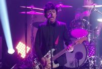Watch Green Day live at New Year's Rockin' Eve with 'Father of All' and 'When I Come Around'
