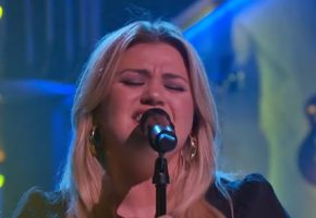 Kelly Clarkson's 'Everybody Got Their Something' cover full of emotion and power — watch
